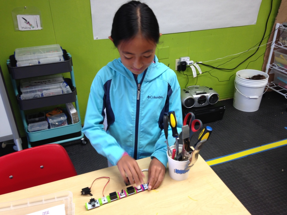 The First Ravenswood Makerspace Open House (4/6)
